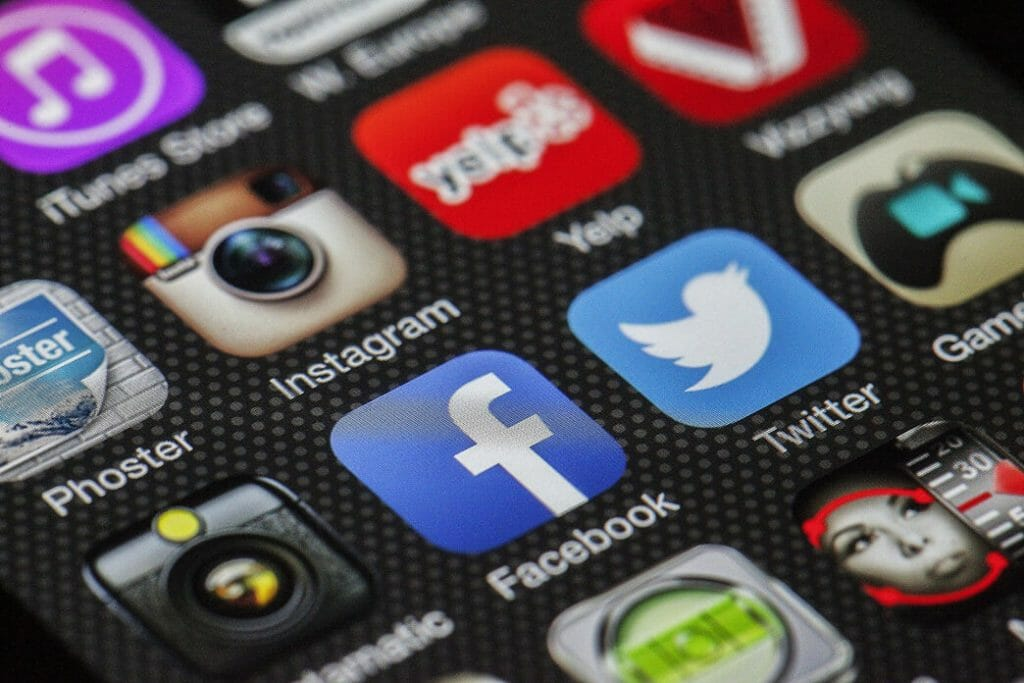 should-you-buy-fake-social-media-followers-for-your-b2b-business